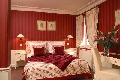 Chambre rouge romantique design de maison for Chambre romantique rouge